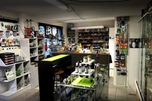 Inside Headshop & Growshop
